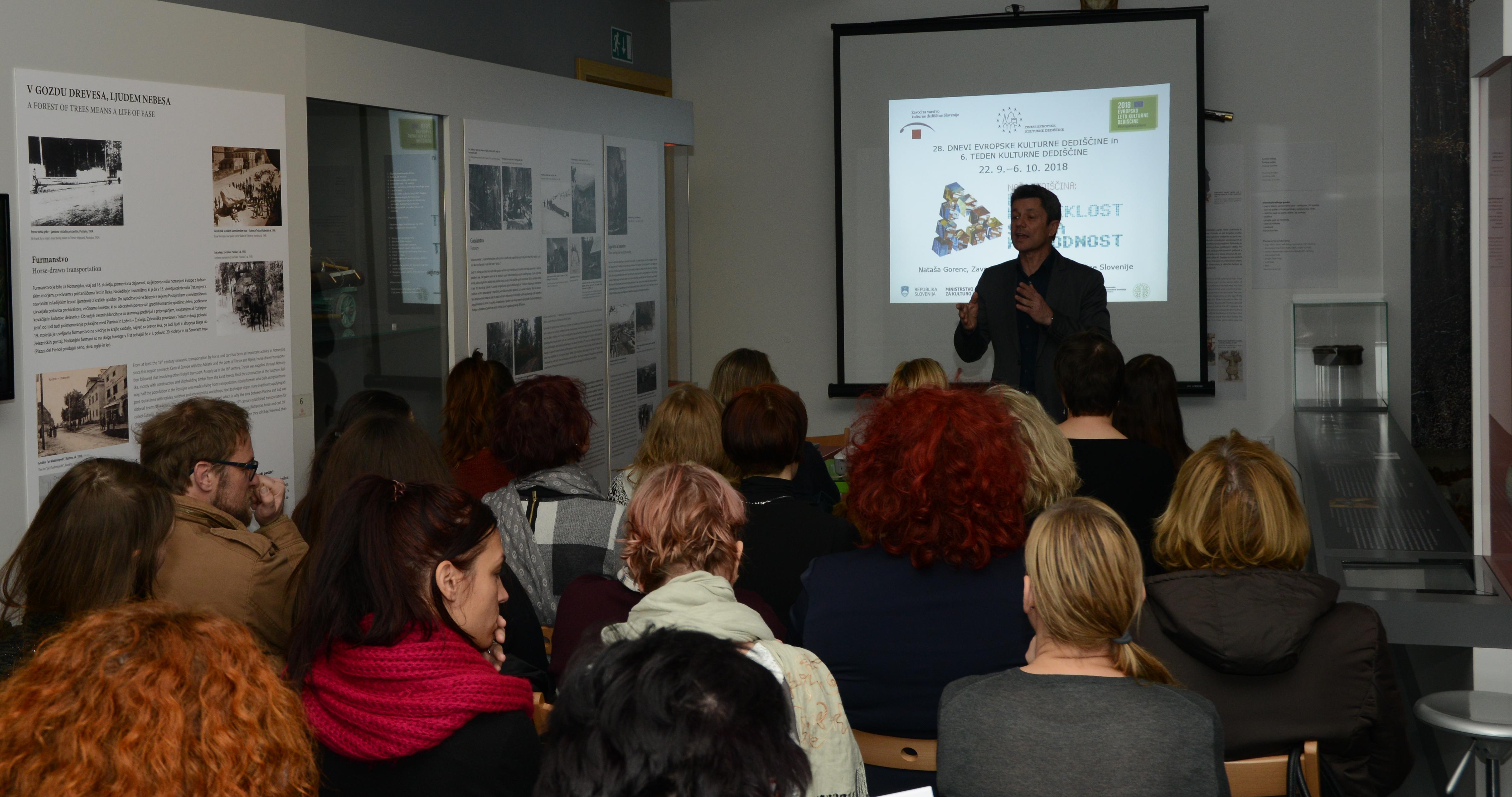 Regionalno srečanje DEKD in TKD v Notranjskem muzeju Postojna