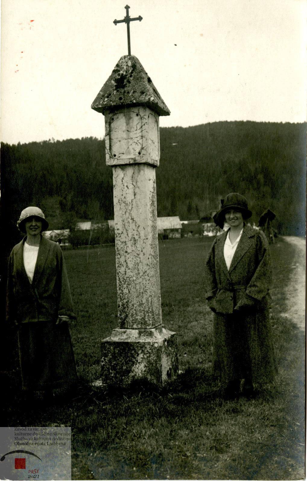 Fotografija Baročnega znamenja iz Šentvida iz leta 1924
