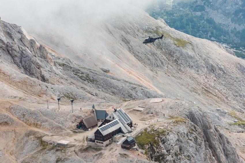 Spust Aljaževega stolpa -  Fotograf Oto-Žan, Arhiv ZVKDS