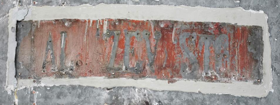 Ohranjen odtis prvotnega napisa Aljažev stolp (foto: Tine)