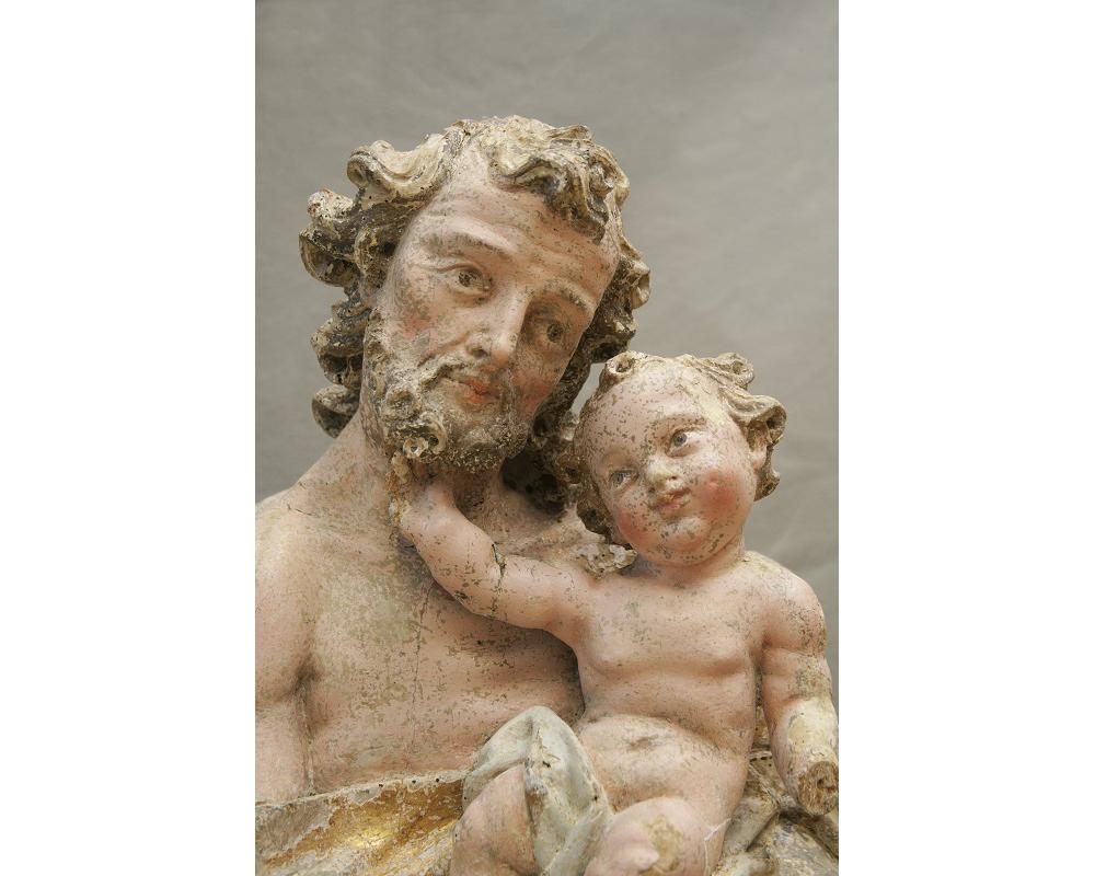 Jožef Straub, Detajl kipa sv. Jožefa z velikega oltarja župnijske cerkve sv. Danijela v Štanjelu, 1741. Slikano med restavratorskimi posegi na ZVKDS-Restavratorski center, avtor fotografije: ZVKDS, Valentin Benedik, 2019.