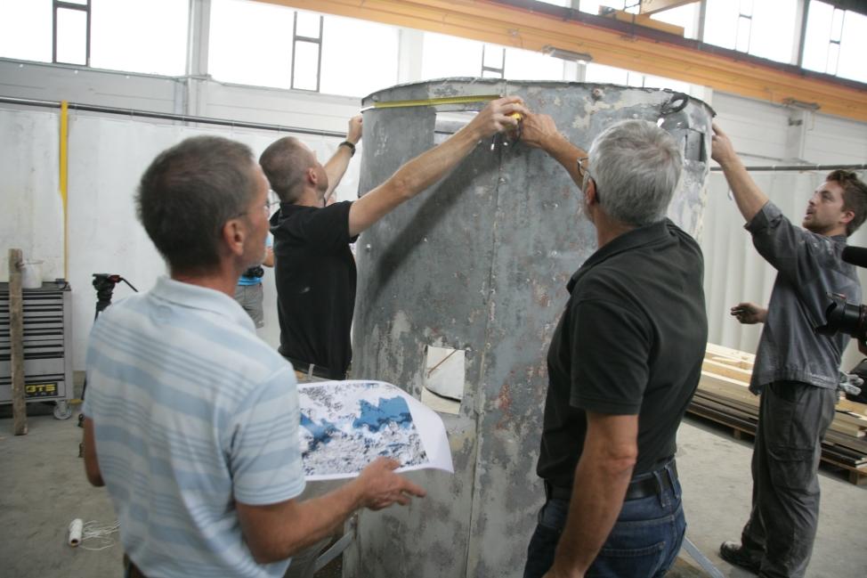 Izvajanje meritev na plašču stolpa (ZVKDS RC – V. Benedik).
