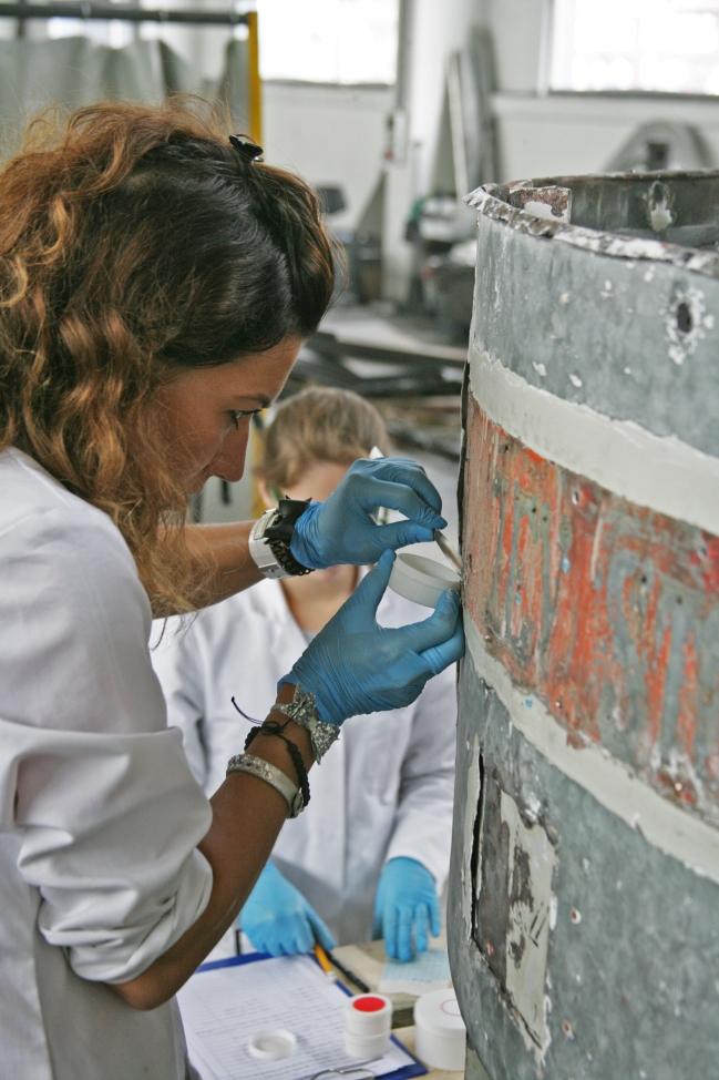 Preiskave barvnih plasti in odvzem vzorcev barvnih slojev (ZVKDS RC – V. Benedik).