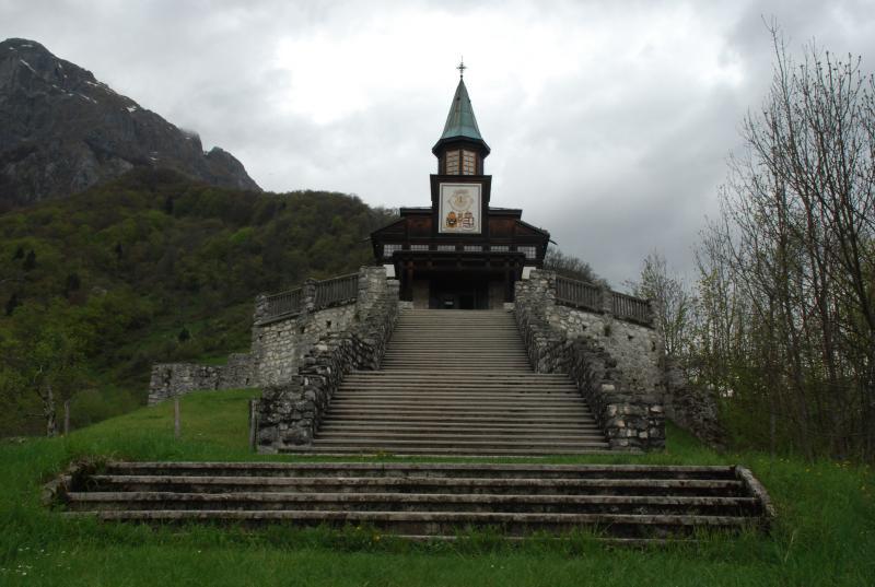 Javorca, Spominska cerkev sv. Duha